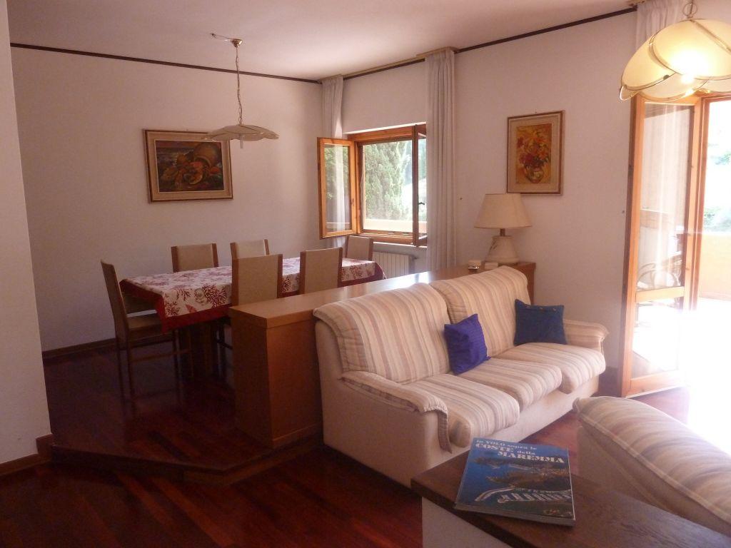 Porto S. Stefano appartamento con grande terrazzo