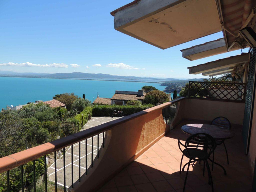 Porto S. Stefano, Strada del Sole appartamento con terrazzo bellissima vista mare