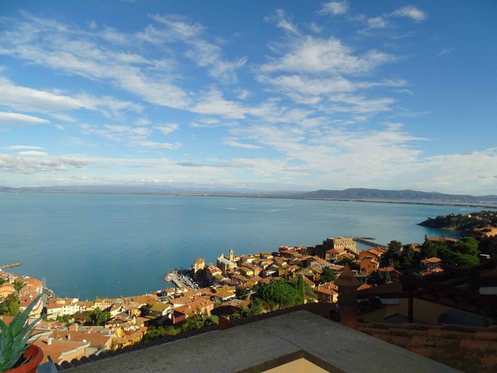 Porto S. Stefano, appartamento posizione panoramica con terrazzi vista mare