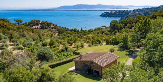 Affitto villa immersa nel verde con bellissima vista mare