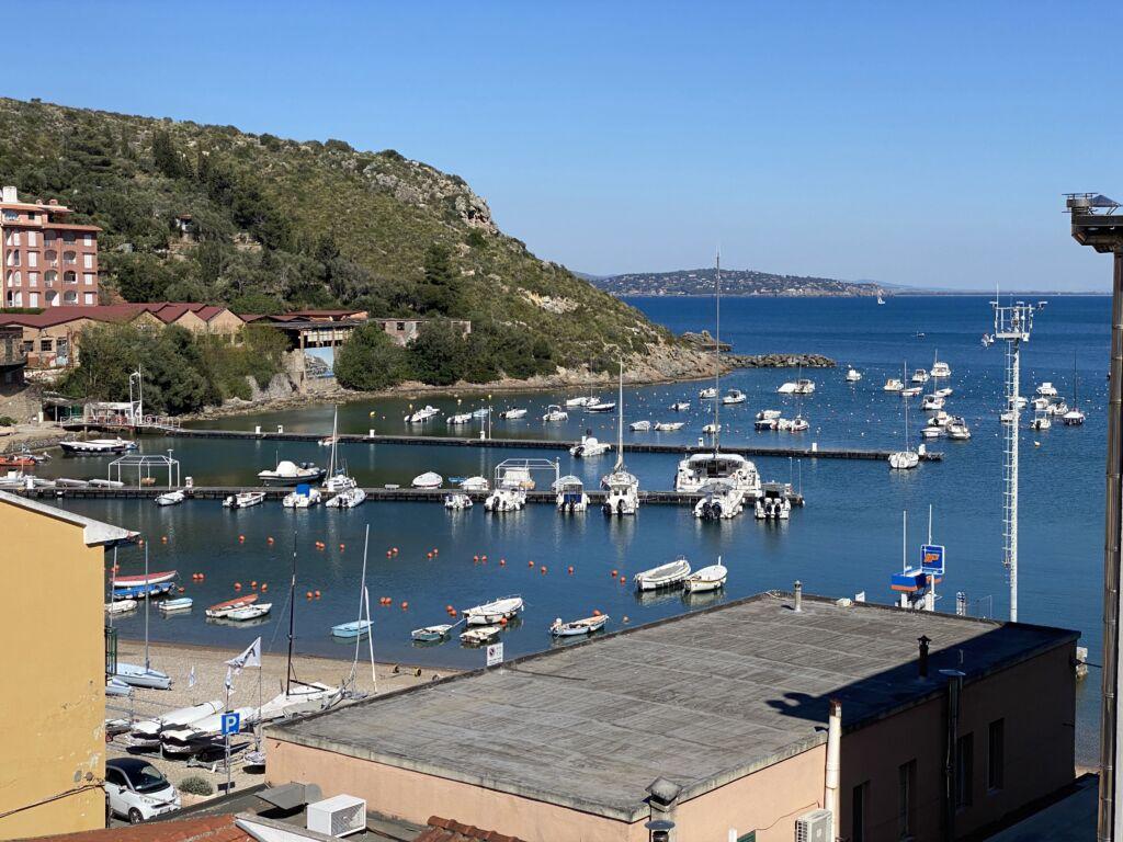 Porto Ercole appartamento con vista mare zona centrale