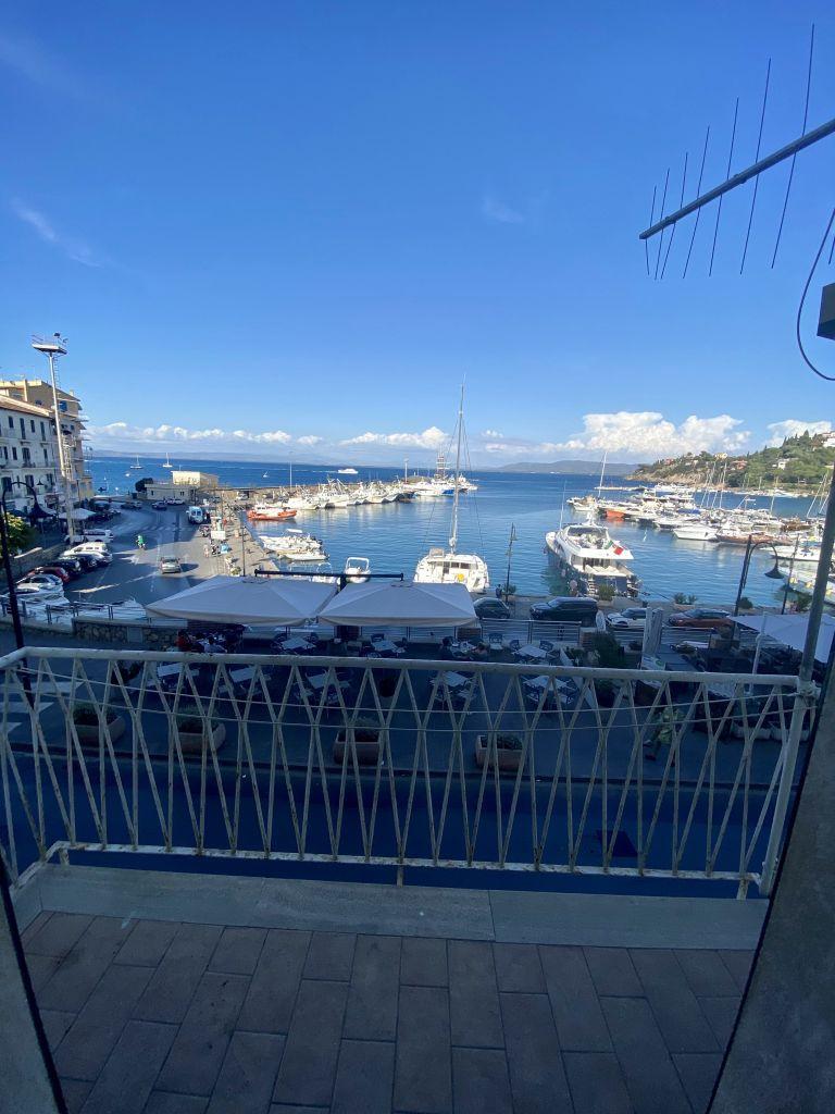 Porto S. Stefano, Appartamento in Prima Fila sul Porto